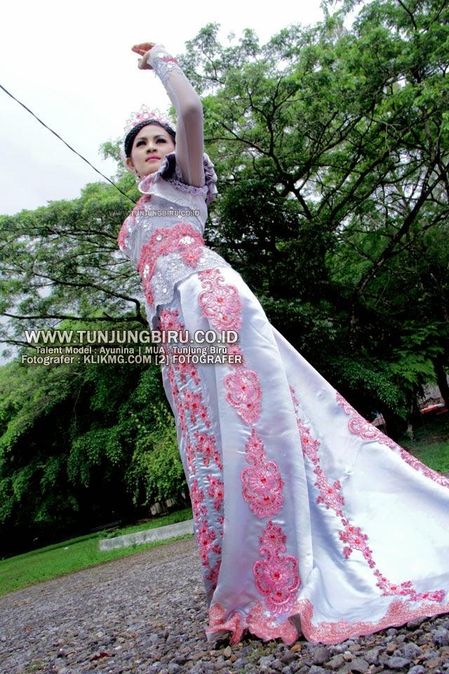 Kebaya Purple & Make Up Modern oleh TUNJUNGBIRU.CO.ID Tata Rias & Busana Purwokerto    Talent : Ayunina [ Model Purwokerto ] - fotografer : Klikmg Photography & Model Agency