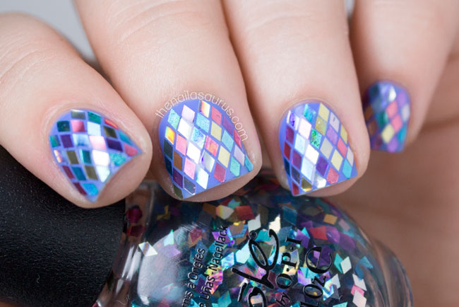 Rainbow Fish Glitter Placement Nail Art // The Nailasaurus