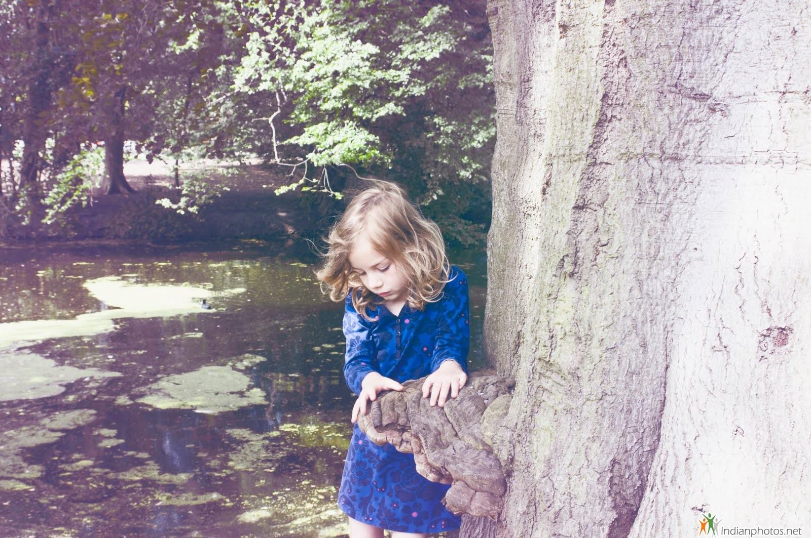 http://2.bp.blogspot.com/-TKGIuwhEQLY/TyYvuK1_RdI/AAAAAAAABlE/TeEfdjn8bLE/s1600/adele+baby+hood+pictures+(2).jpg