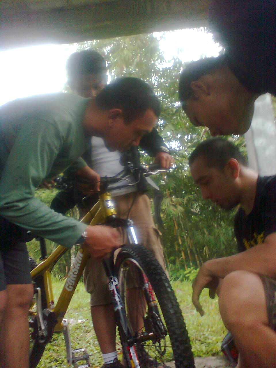 Bersepeda Di Kaki Gunung Merapi