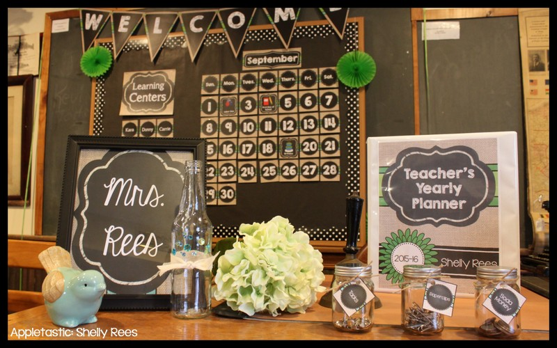 classroom decor reveal  2  chalkboard and burlap