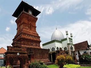 Makalah Sejarah Peradaban Islam (Peradaban Islam dan Organisasi Islam di Indonesia)