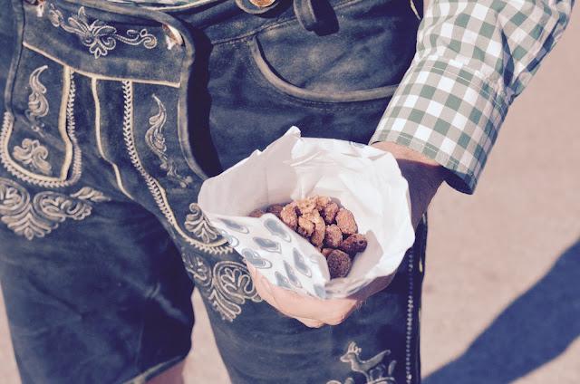 wiesn-mandeln-lederhose