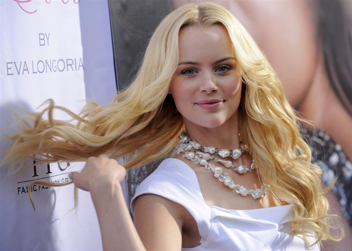 Helena Mattsson Artis Hollywood Pictures