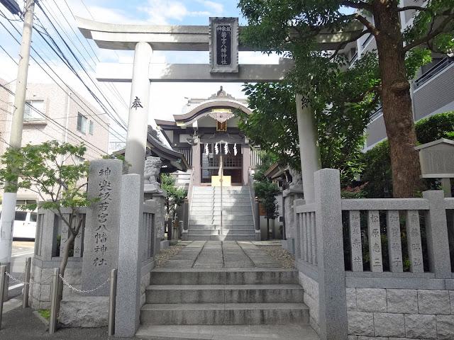 神楽坂若宮八幡神社,鳥居,拝殿〈著作権フリー無料画像〉Free Stock Photos