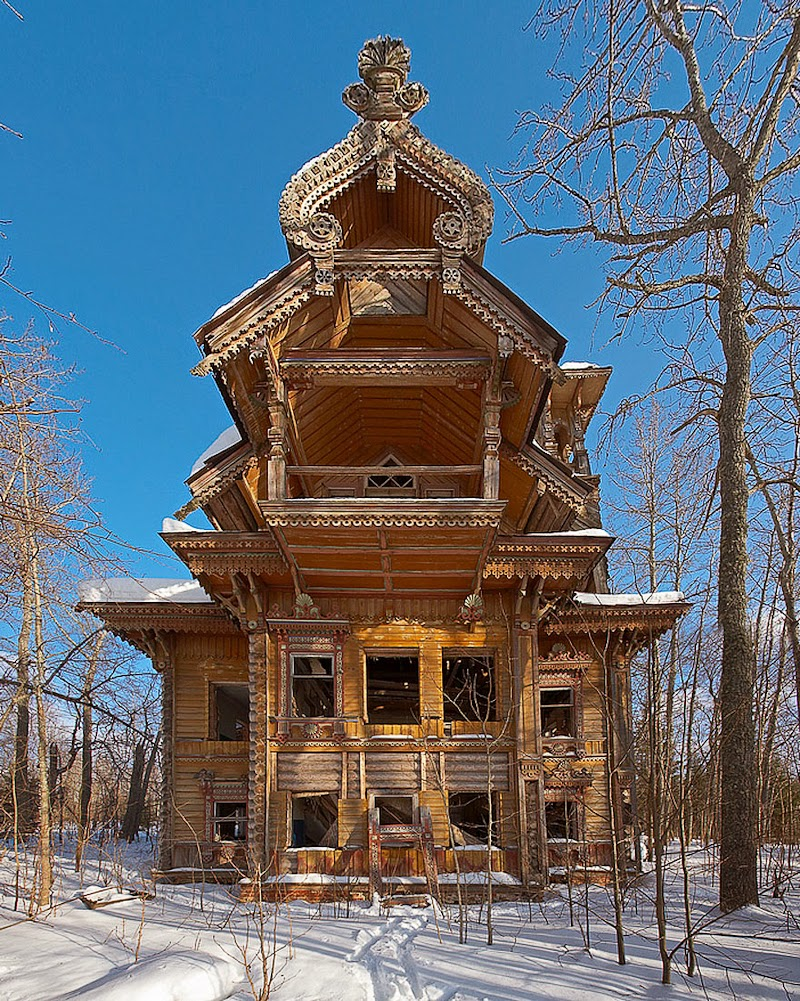 15. Abandoned Wooden Houses, Russia - 31 Haunting Images Of Abandoned Places That Will Give You Goose Bumps