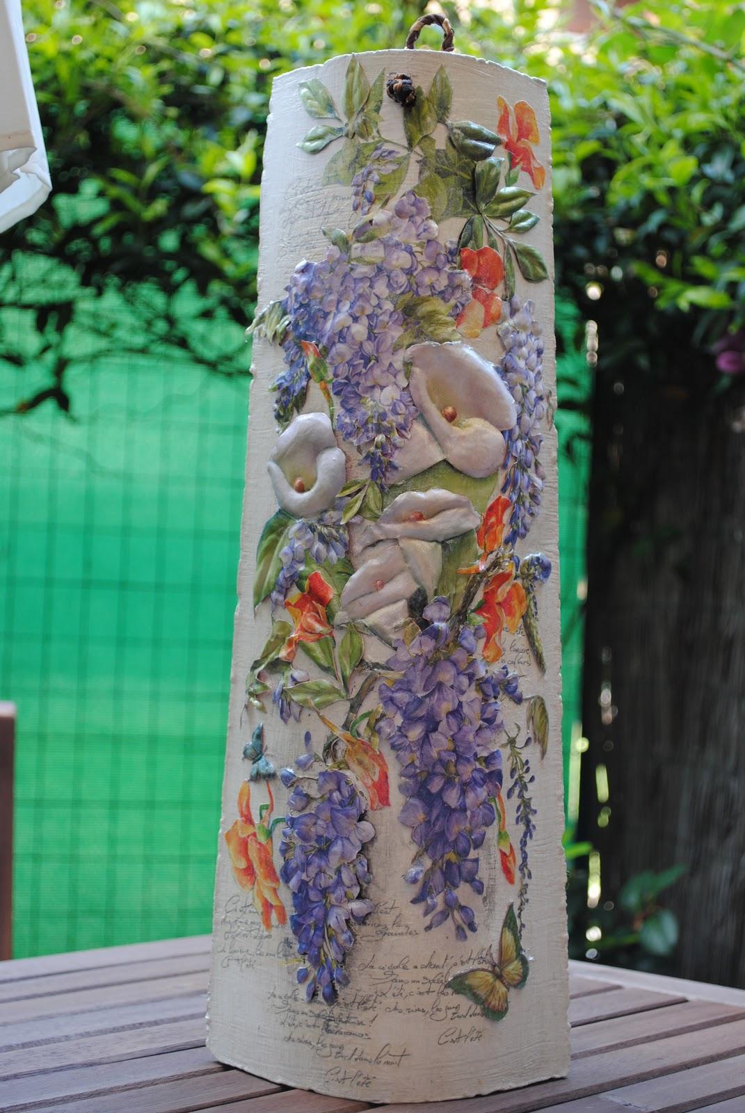 Le tegole del villaggio glicine - Tegole decorate in rilievo ...