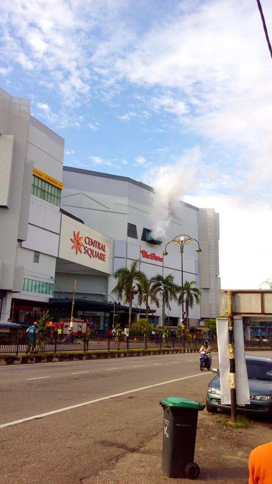 Kebakaran di Central Square Sungai Petani