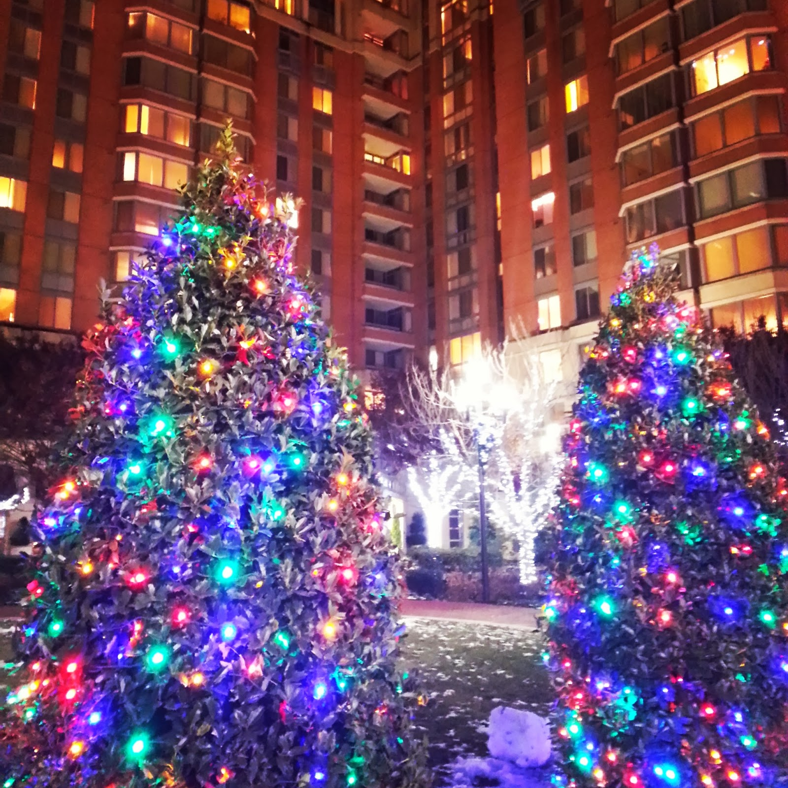 what restaurants are open for christmas dinner in bethesda the closure this coming weekend of du pars hamburger hamlet eliminates one christmas day dining - What Restaurant Are Open On Christmas