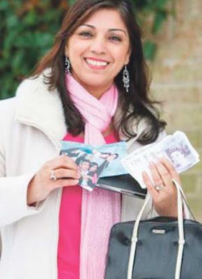 Wanita temui beg tangan selepas tujuh tahun dicuri
