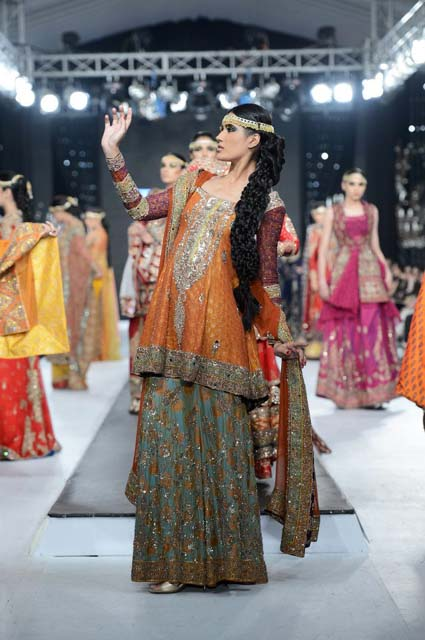 Hsy Bridal Collection 2013 http://fashionsdresstyle.blogspot.com/2013/03/hsy-bridal-dresses-l-latest-bridal-maxi.html