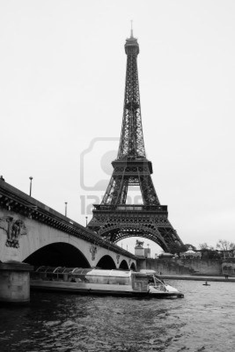 Paris paris eiffel tower black and white for Eiffel tower wall mural black and white