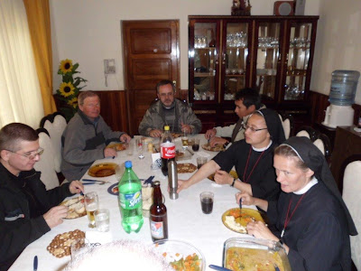 Beim Mittagessen im Bischofshaus
