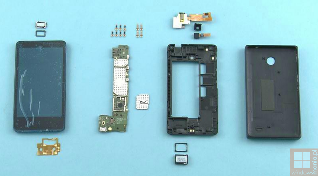 photos-Nokia-X-disassembled