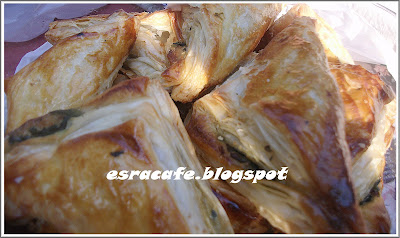 Ispanaklı Milföy Böreği (Pratik Lezzet)