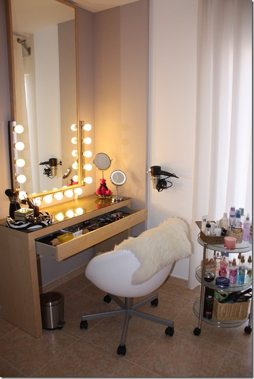 Vanity Table With Lighted Mirror Diy : I Am Elizabeth Martz Beauty Fashion & Lifestyle Blog: DIY YOUR OWN LIGHTED MAKEUP VANITY ...