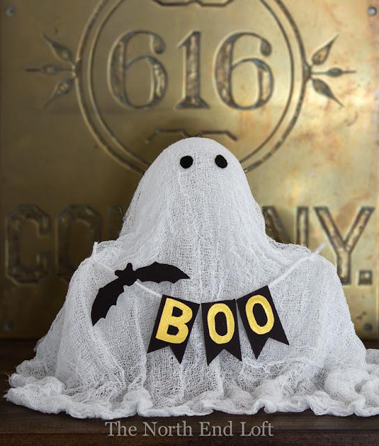 48 Easy DIY Halloween Decorations  Homemade Do It