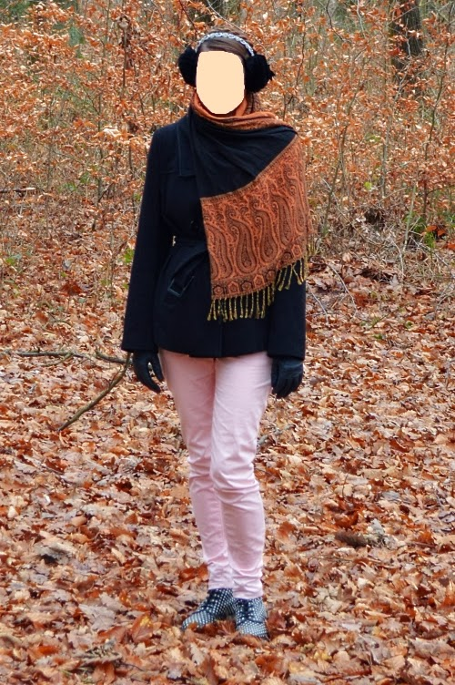 Leia Katniss Everdeen orange outfit shawl