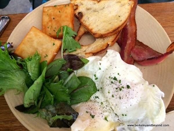 bacon & eggs at Townie restaurant in Berkeley, California