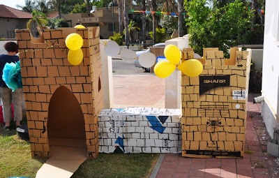 cardboard castle for princes and princesses birthday party