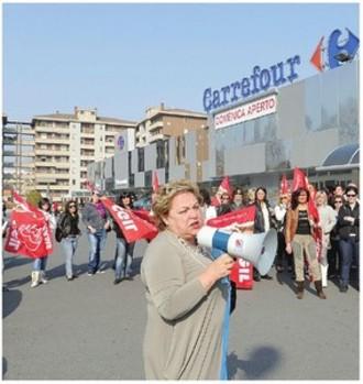 Lavoratori unicoop carrefour sciopero contro la for Costo seminterrato di sciopero
