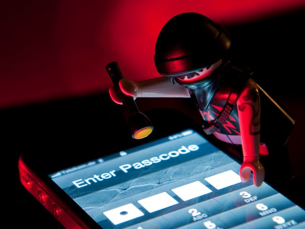 Are hackers reading your text messages