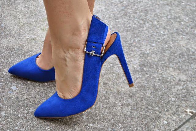 scarpe blu abbinamenti scarpe blu come abbinare le scarpe blu how to wear blue heels blue heels outfit mariafleicia magno fashion blogger colorblock by felym blog di moda italiani blogger italiane di mdoa fashion blog italiani fashion blogger italiane outfit gonna a ruota outfit midi skirt abbinamenti gonna a ruota come abbinare la gonna a ruota gonna a ruota e crop top mariafelicia magno fashion blogger colorblock by felym mariafelicia magnooutfit crop top come abbinare il crop top abbinamenti crop top outfit borsa rossa come abbinare la borsa rossa outfit scarpe blu come abbinare le scarpe blu abbinamenti scarpe blu outfit estivi outfit estivi donna outfit estate 2015 outfit maggio 2015 how to wear round circle midi skirt midi skirt outfit blue heels outfit red bag outfit how to wear blue heels how to wear red bag summer outfit fashion blog italiani fashion blogger italiane blog di moda blogger italiane di moda fashion bloggers italy bloggers girls blonde hair blondie blonde girls
