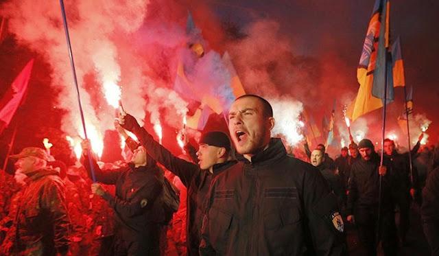 Diễu hành phát-xít ở Ukraine