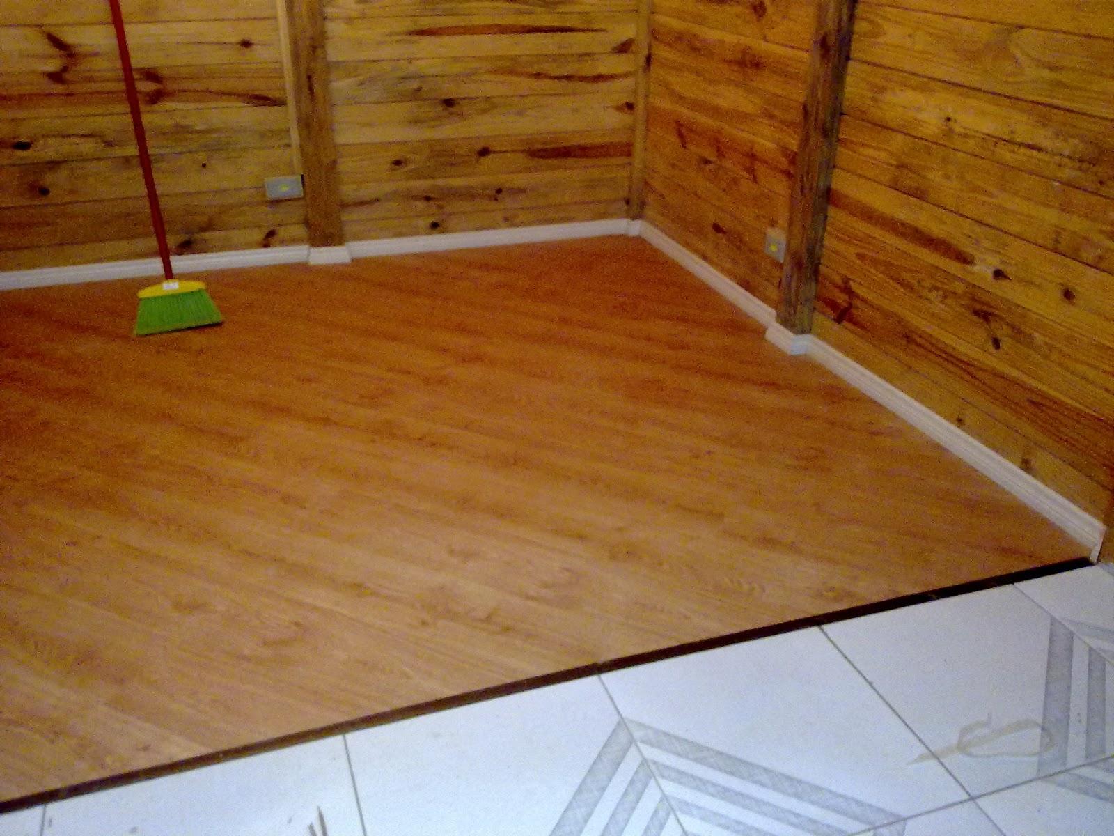 A casa de 2 inteiros e 4 patas piso laminado instalado for Piso laminado instalado
