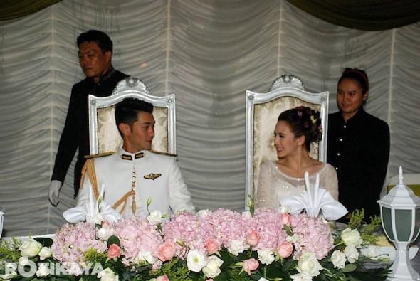 gambar pernikahan Farid Kamil dan Diana Danielle sila klik SINI