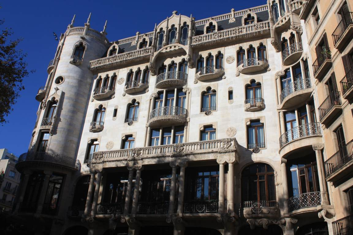 Barcelona modernism route beautiful places of barcelona and catalonia - Casa del mar barcelona ...