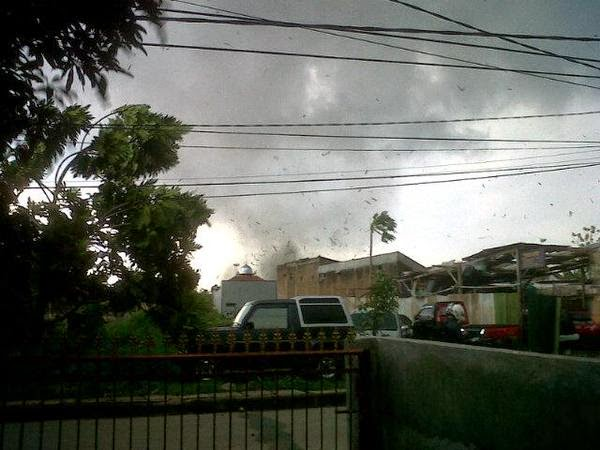 Angin Puting Beliung Bandung Timur