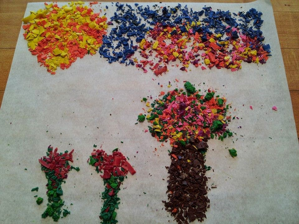 Melted crayon shavings craft, crafts, kids crafts, fall crafts