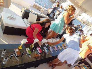 Fiesta Birchbox y ELLE en Puro Beach Mallorca creando fragancia