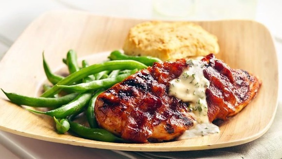 Pollo Asado Con Barbecue Y Tocineta
