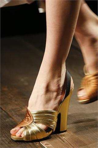 elblogdepatricia-prada-zapatos-metalizados-shoes-chaussures-calzature-scarpe-calzado