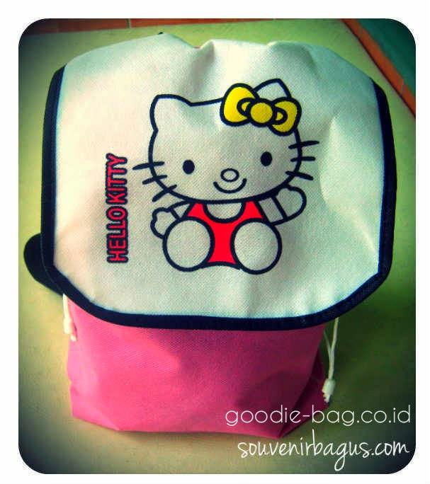 Tas Ulang Tahun Gendong Hello Kitty