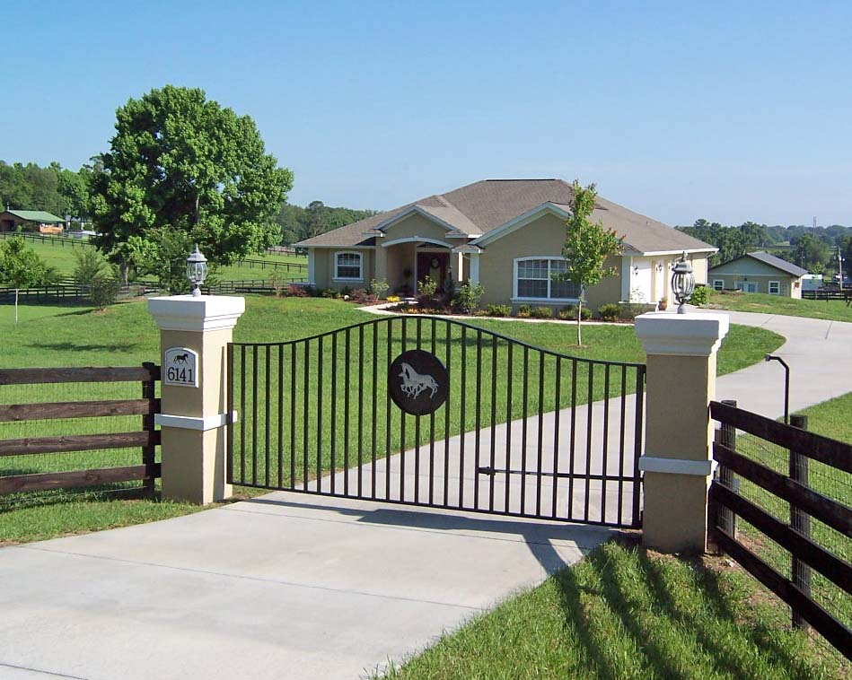 white farm fence. have you ever wondered how all those horse farm fences get painted white fence