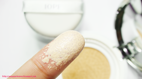 http://aegyoprincess.blogspot.fr/2013/09/iope-air-cushion-xp-review.html