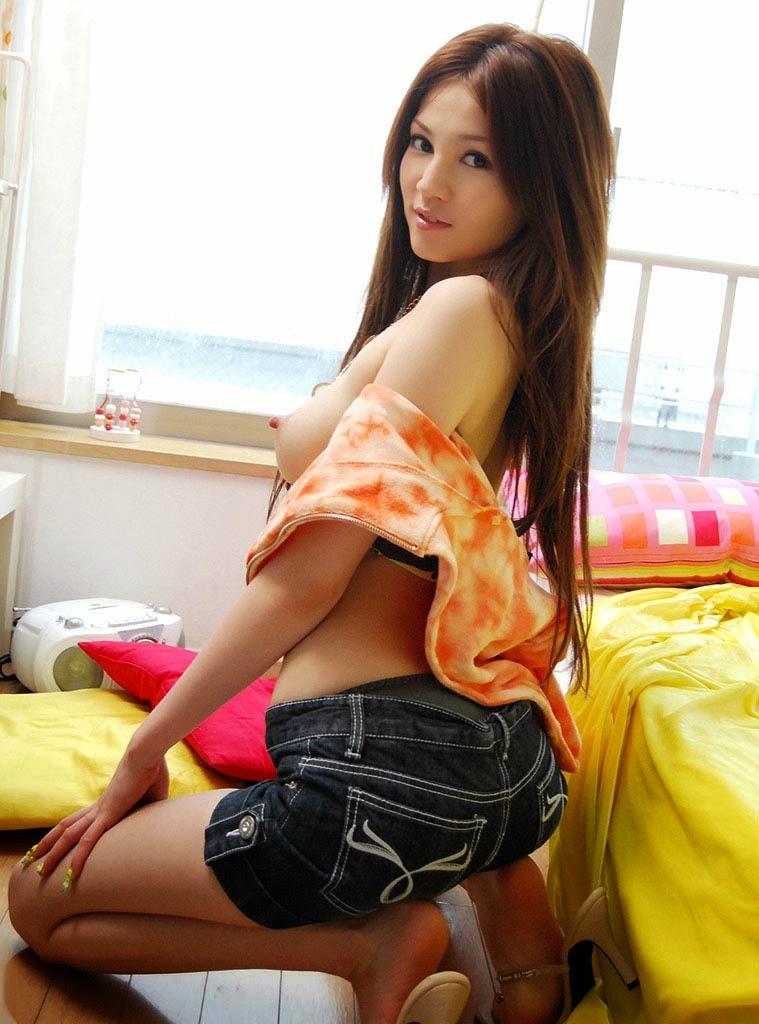 Ameri Ichinose Sexy Naked Photos