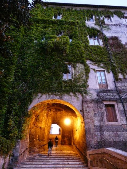 Rione Monti: il quartiere di Petrolini e del Marchese del Grillo - visita guidata serale
