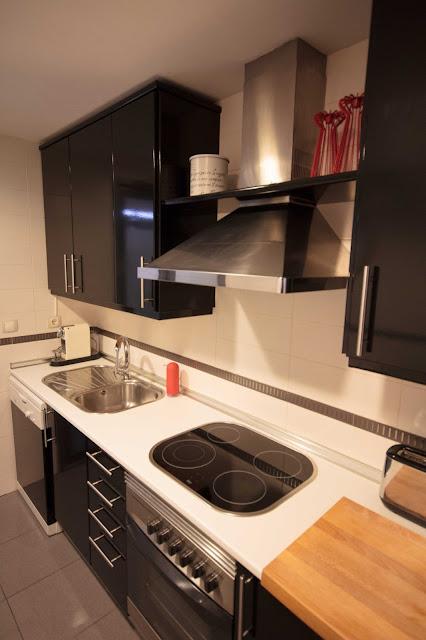 Antes y despu s la cocina de amaya - Vinilos para forrar muebles leroy merlin ...