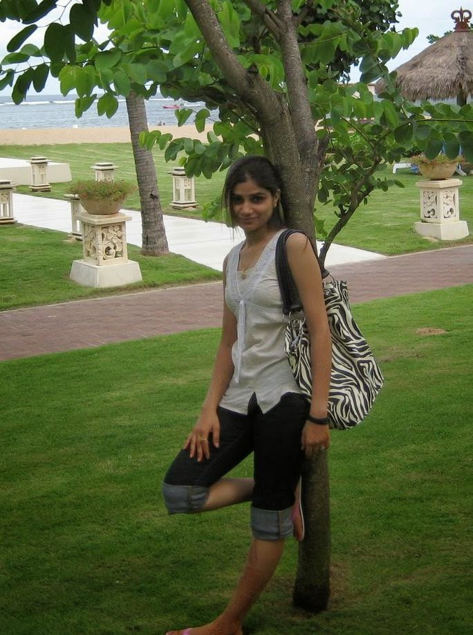Indian Desi Beautiful Girls In Garden Photos