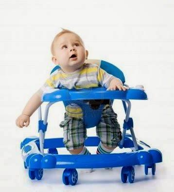 Tres razones por el que su niño no debe usar el andador