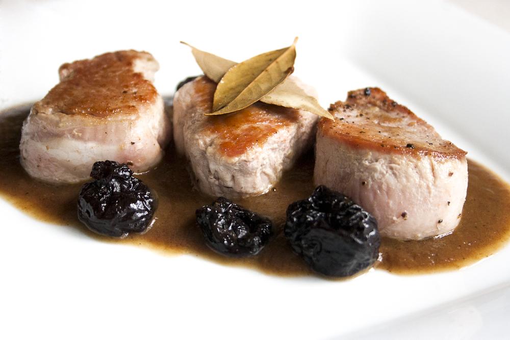 Como preparar cerdo con ciruela pasas - Carne con ciruelas pasas ...