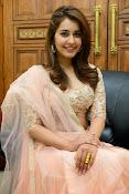 Rashi Khanna glamorous photos-thumbnail-2