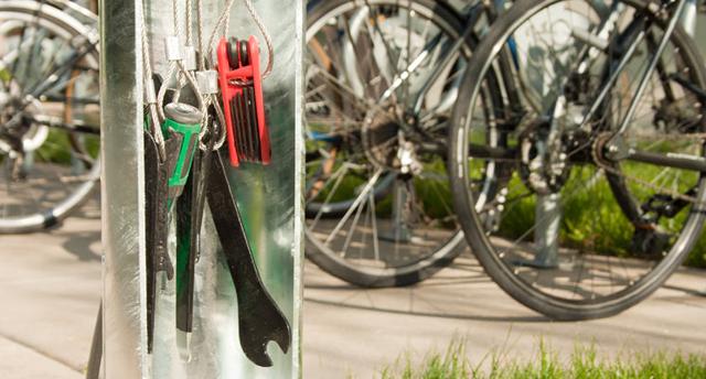Empresa cria estação de conserto para bicicletas