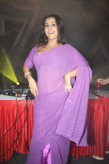 Vidya Balan Unseen Hot navel Photos in Saree