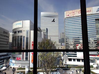 今朝は長野新幹線にて佐久へ…途中駅大宮の風景!穏やかな春陽を浴びている都... 愛に恋! Eis
