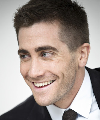 JAKE GYLLENHAAL SHORT HAIR